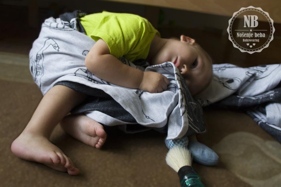 Marama je toliko baršunasta da se moj sin krenuo maziti s njom i umalo se uspavao na podu pored kreveta. :D