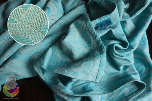 Una Grey je marama tkana od 100%-tnog češljanog egipatskog pamuka.