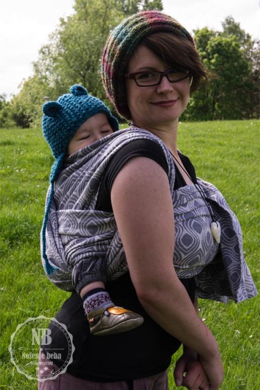 Jedna od najdražih fotografija nošenja mog sina upravo je u ovoj marami.
